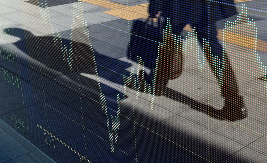 Investors flee junk ETFs